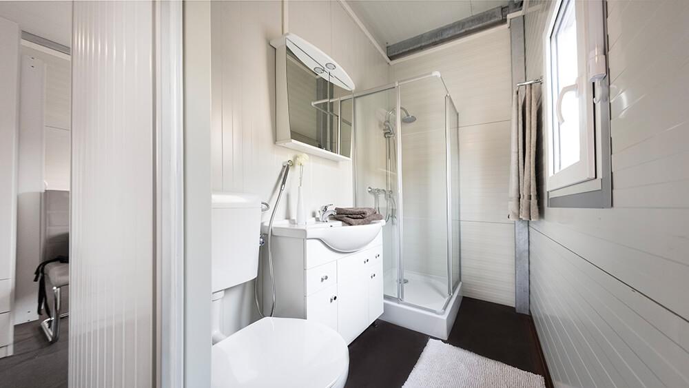 anschlussfertige wohncontainer kaufen panel sell panel. Black Bedroom Furniture Sets. Home Design Ideas